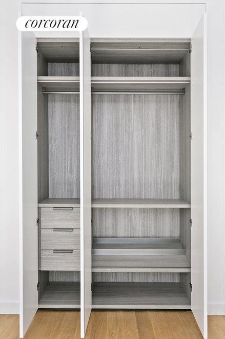 Molteni closet