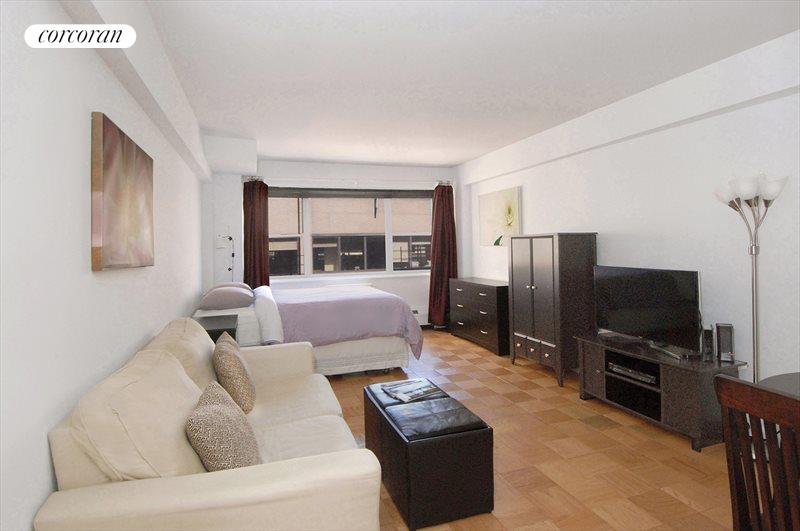 153 East 57th Street, Apt. 17C, Midtown East