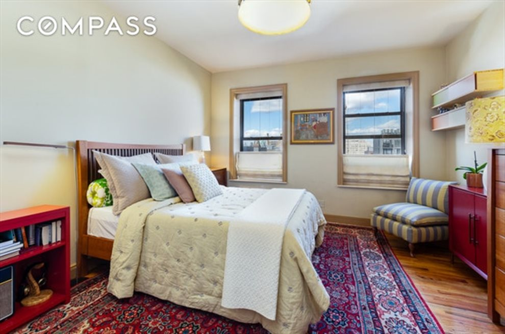 New York City Real Estate | View Eastern Parkway | room 11