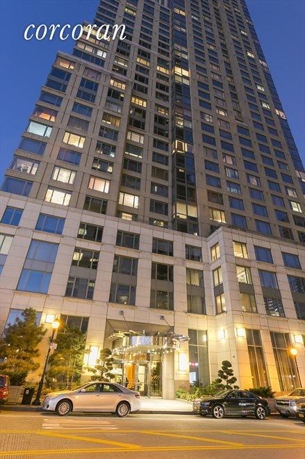 Apartment Building | View 220 Riverside Blvd | 220 RSB