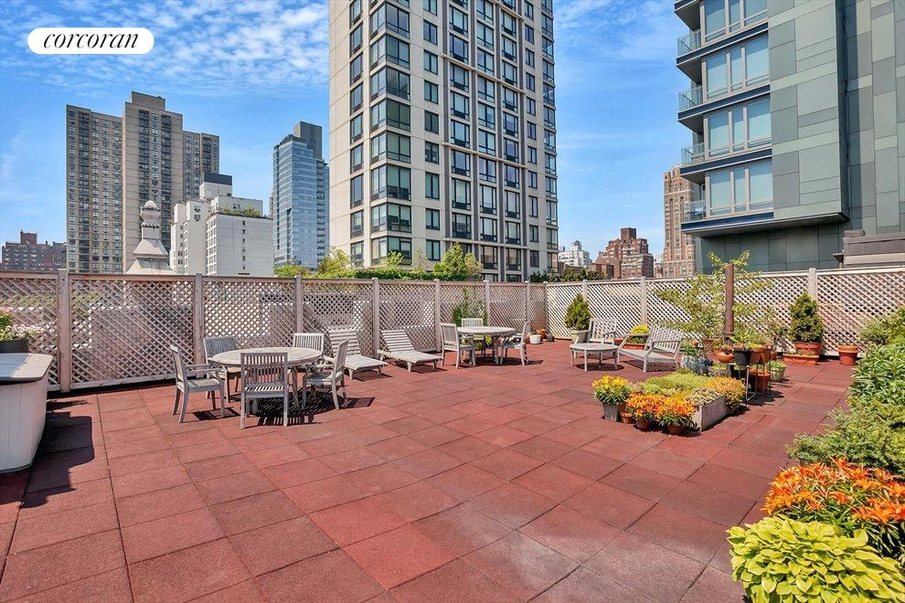 New York City Real Estate | View 315 East 77th Street, #4G | Roof Deck