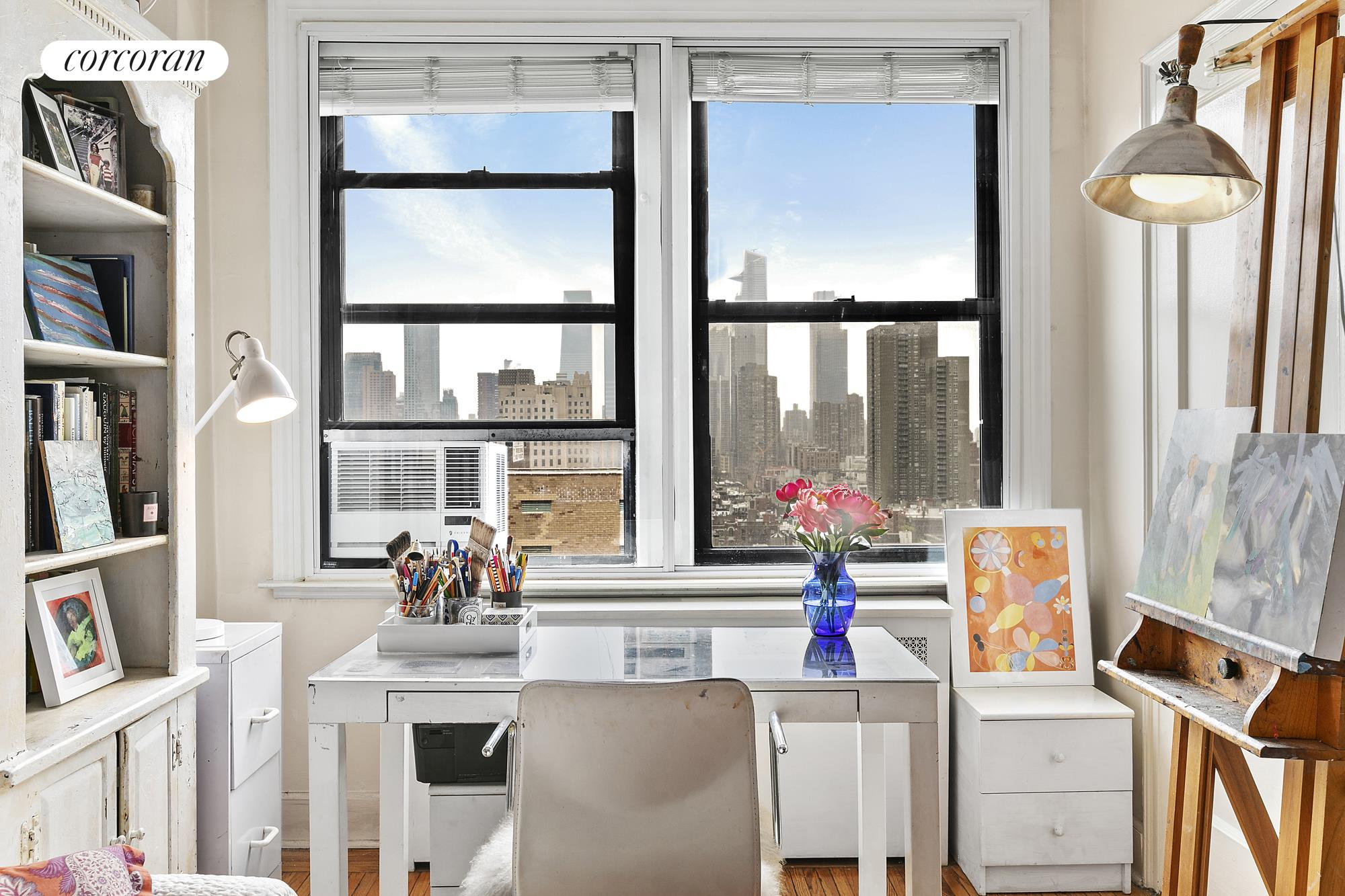 457 West 57th Street, 1705, Plenty of space for seating