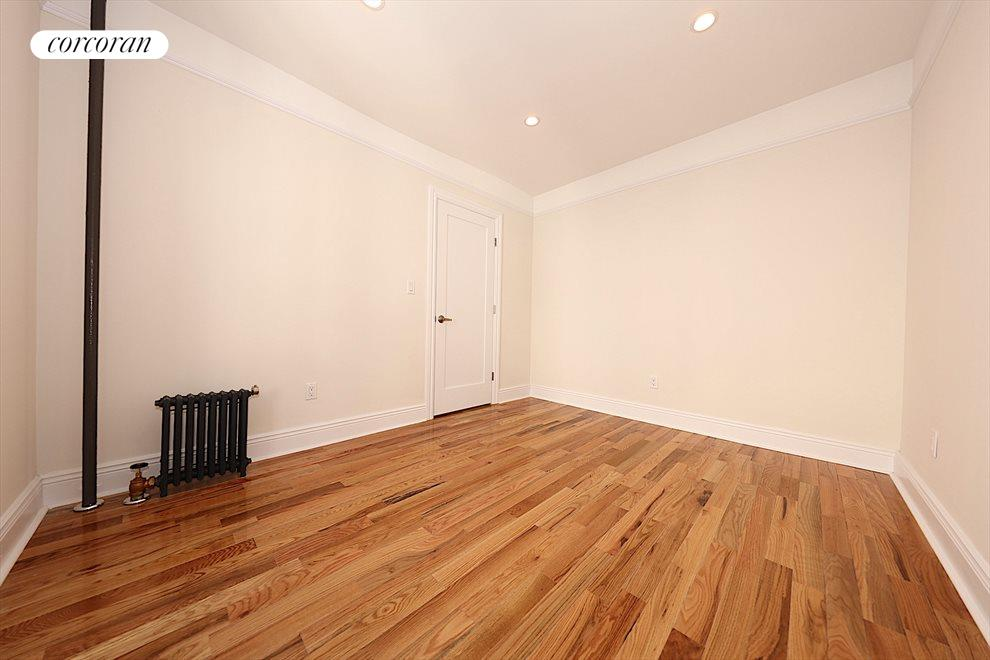 New York City Real Estate | View 32-20 34th Avenue, #5B | room 7