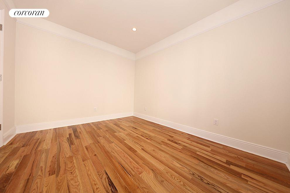 New York City Real Estate | View 32-20 34th Avenue, #5B | room 6