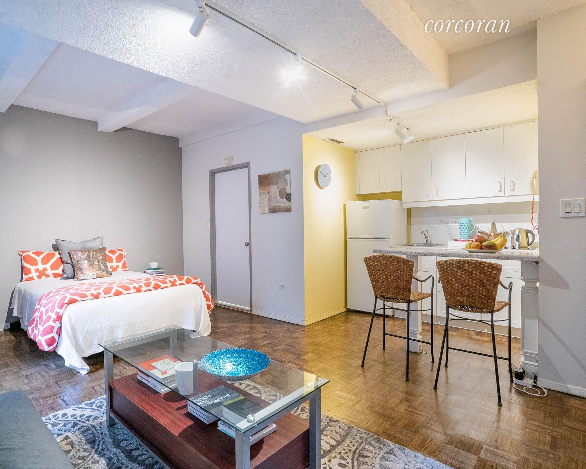 150 West 51st Street, Apt 1703, Manhattan, New York 10019