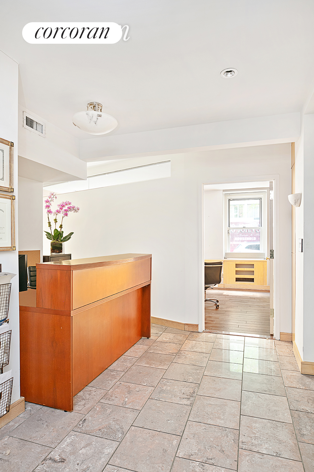 325 East 57th Street, 1B, Living Room