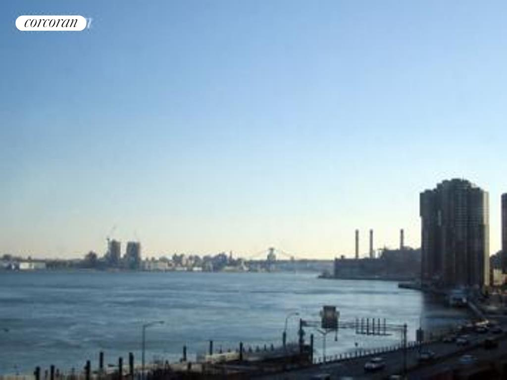 415 East 37th Street, 7E, View
