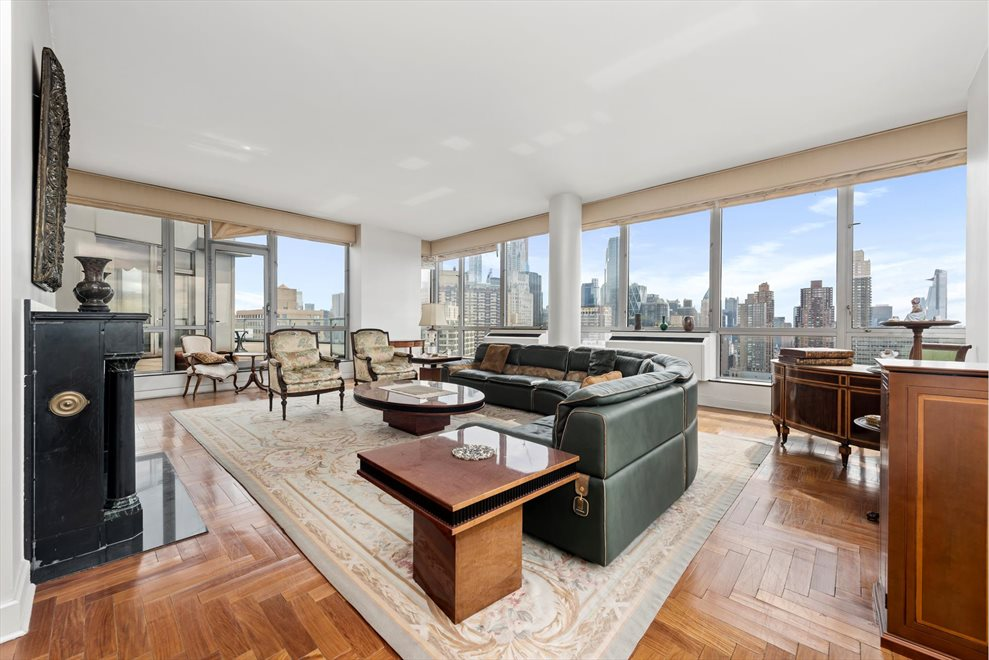 New York City Real Estate | View Broadway | 4 Beds, 4 Baths