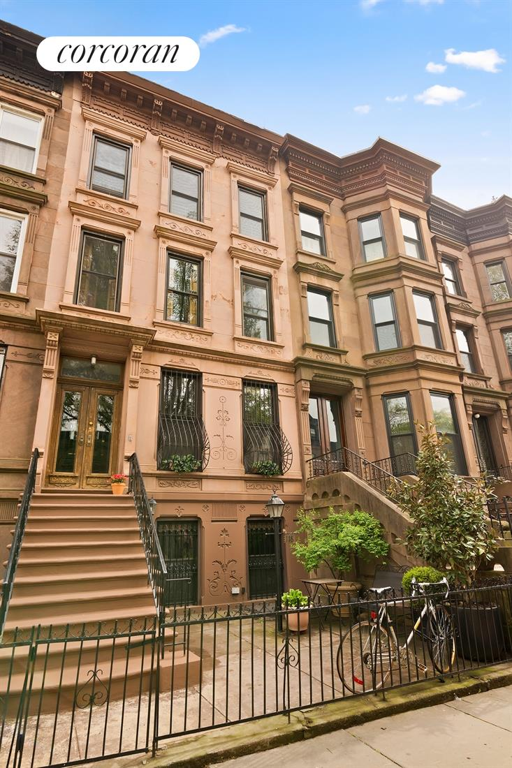 118 Mac Donough Street, Classic Brownstone Exterior