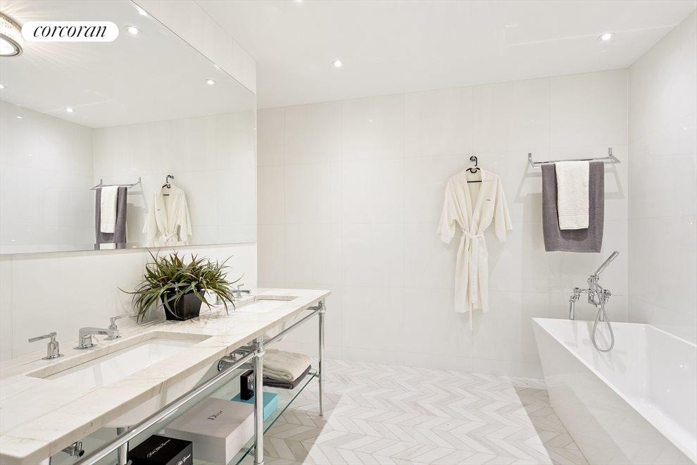 En suite Master spa bathroom