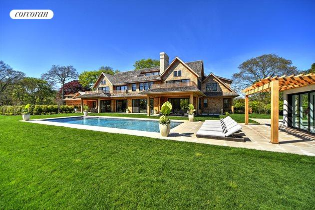 20 Hook Pond Lane, East Hampton