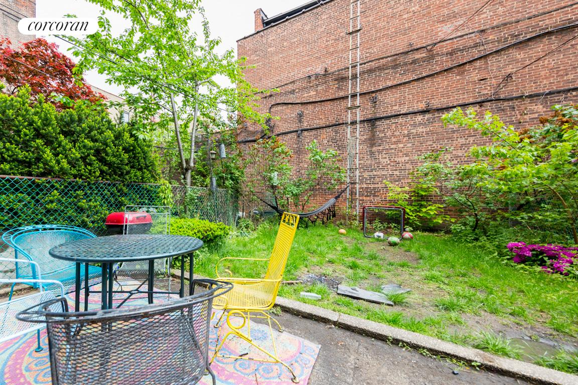 228 Monitor Street, 1, Private Outdoor Space