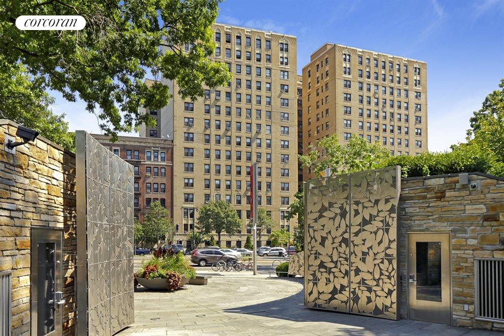 New York City Real Estate | View 135 Eastern Parkway, #8b1 | Front View