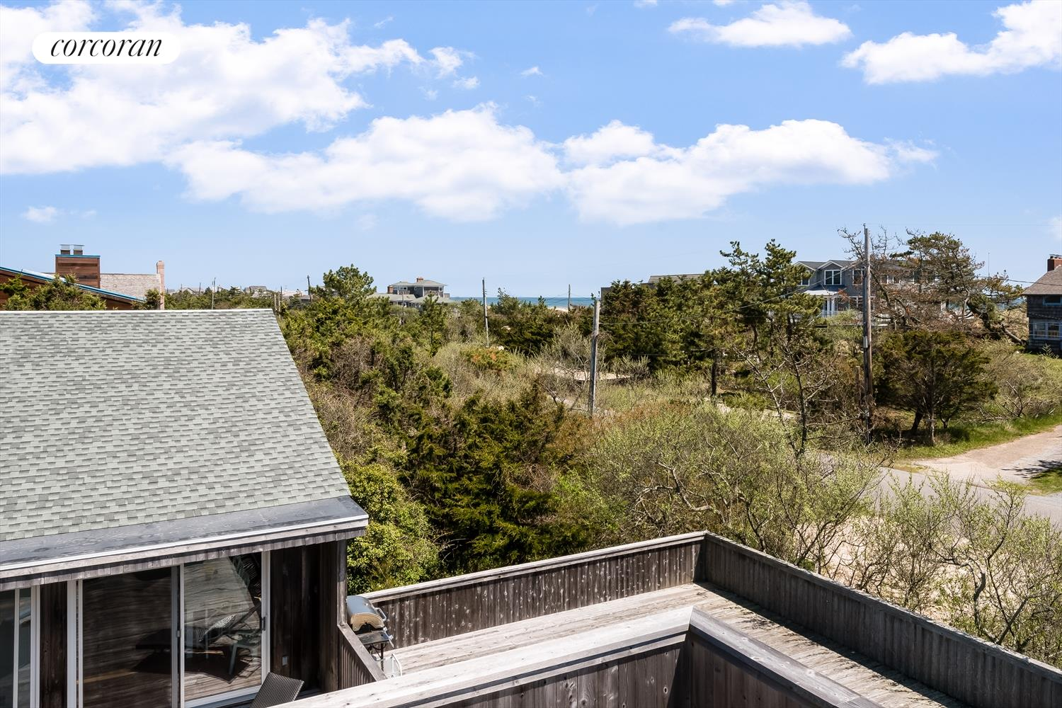 4 Dune Ln, Architecturally Interesting