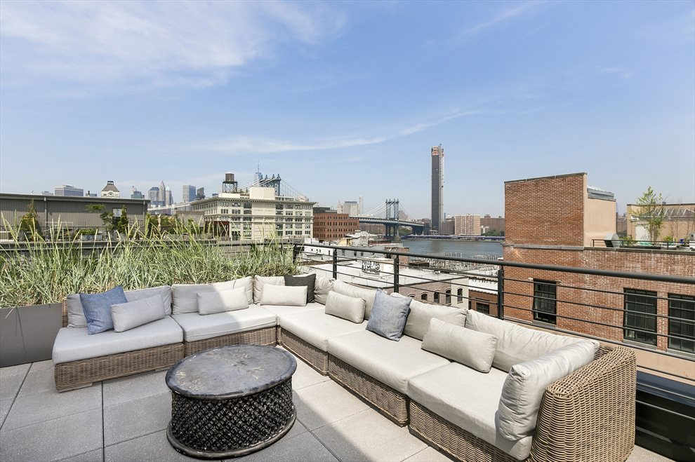 Gorgeous Roof Deck with Kitchen and Grill