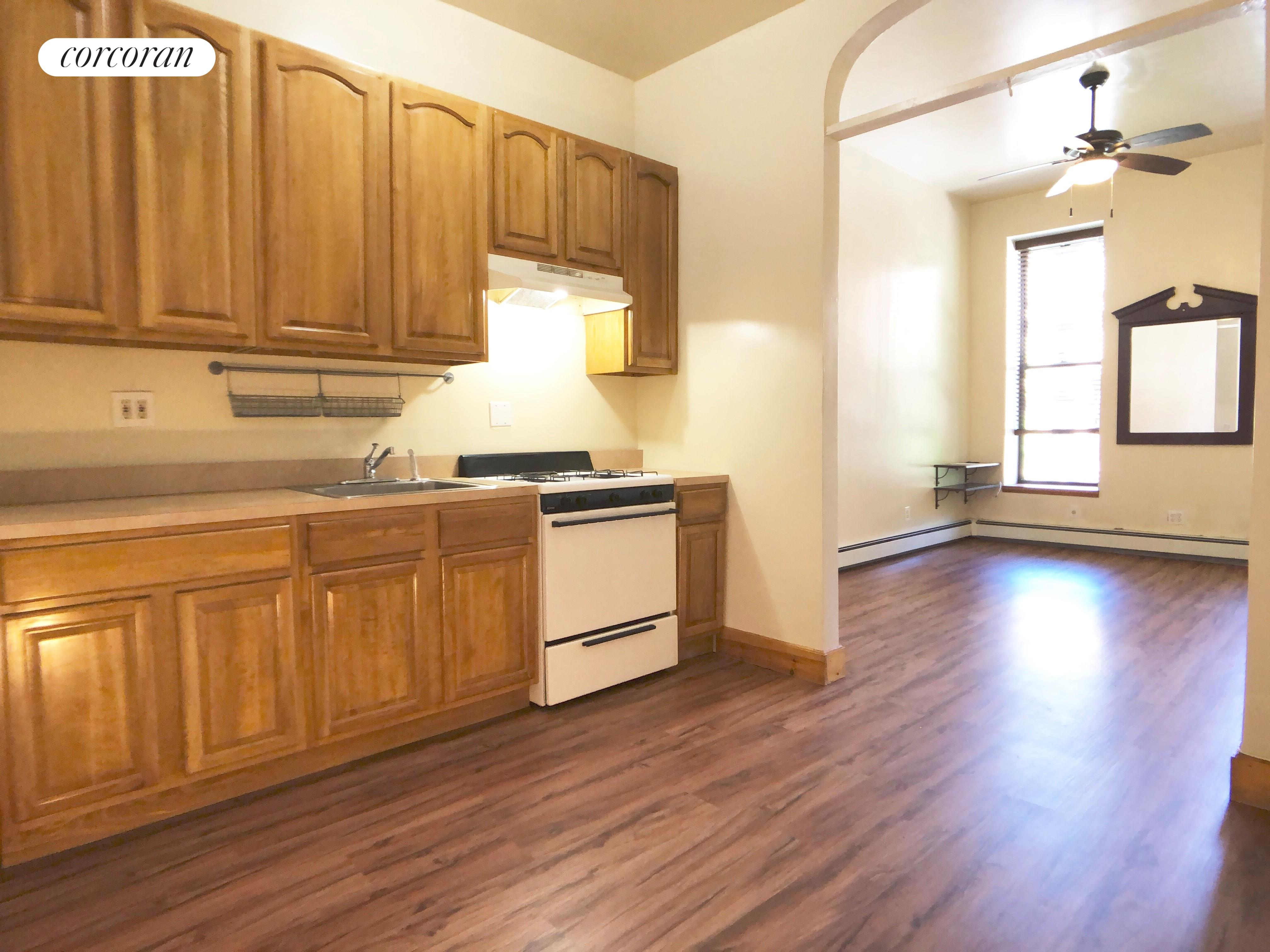 624 Willoughby Avenue, 2, Eat-in Kitchen