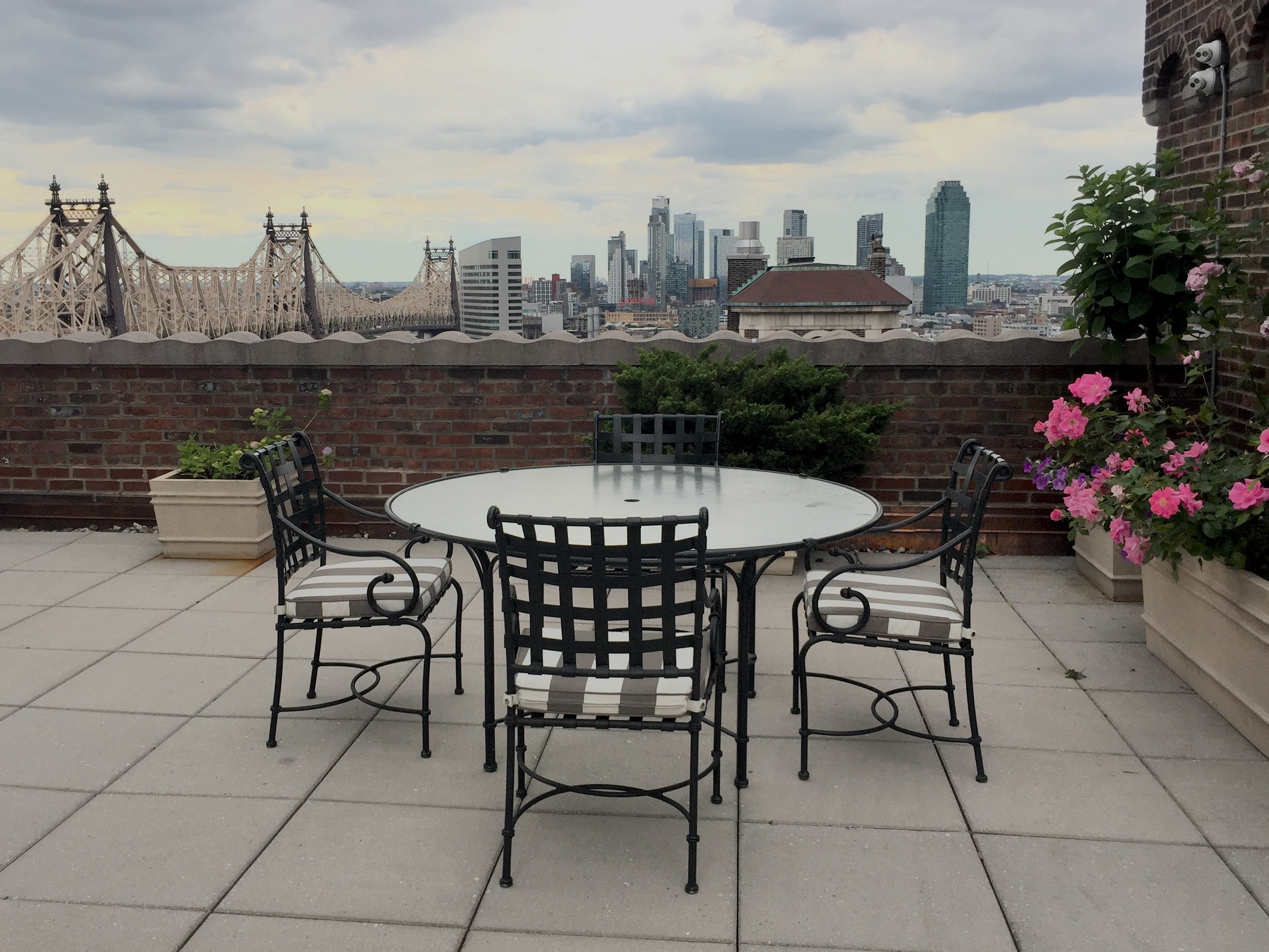 2 Sutton Place South, 16EF, Partial views of the East River and Queensboro Bri