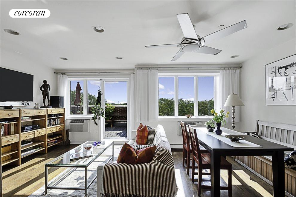 Bright, beautiful and airy living space