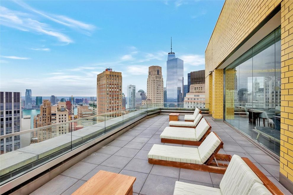 Penthouse outdoor sky terrace