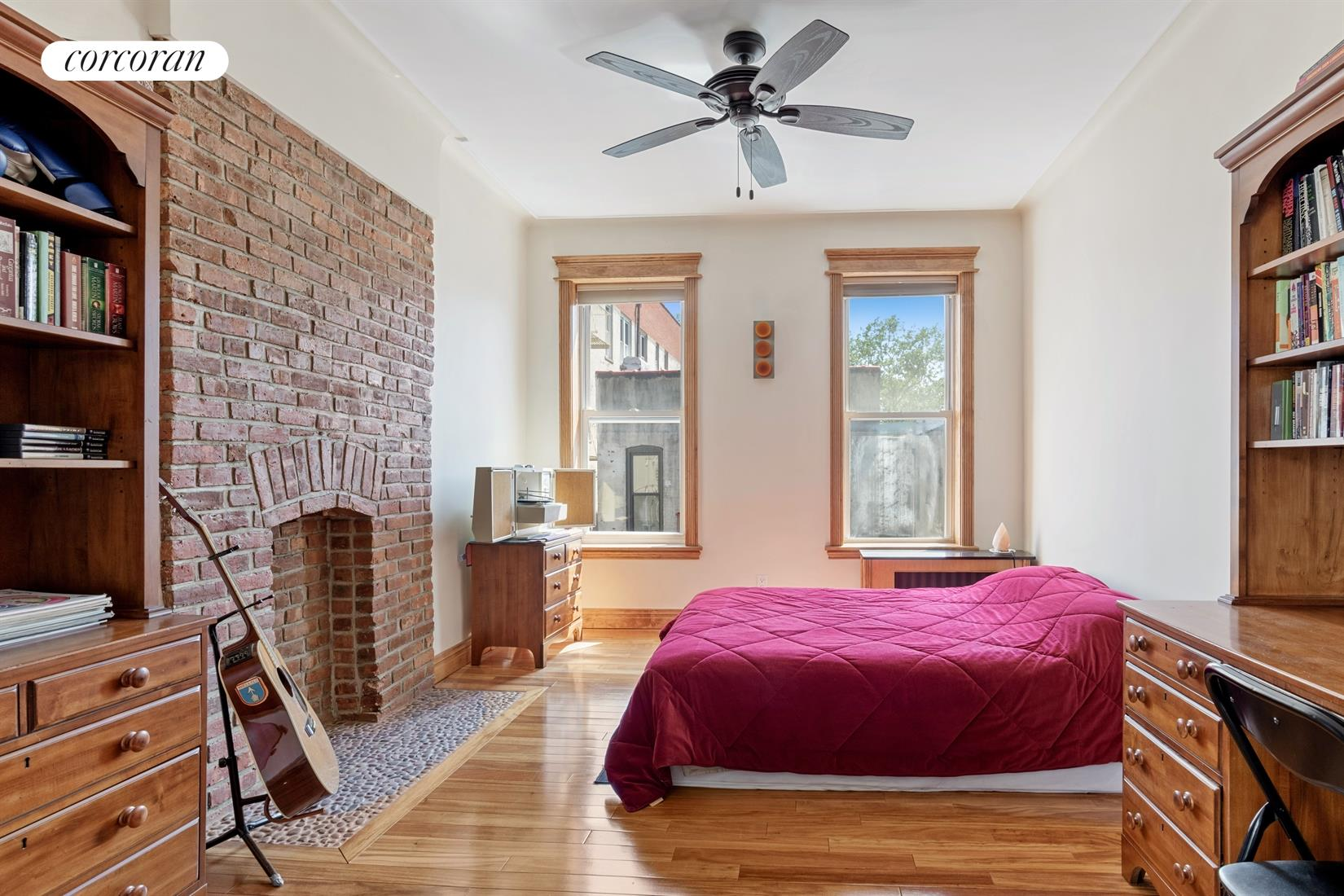 546 40th Street Interior Photo