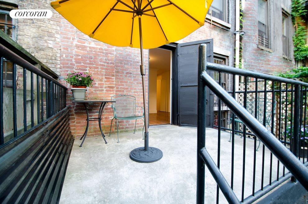 Garden bedroom deck