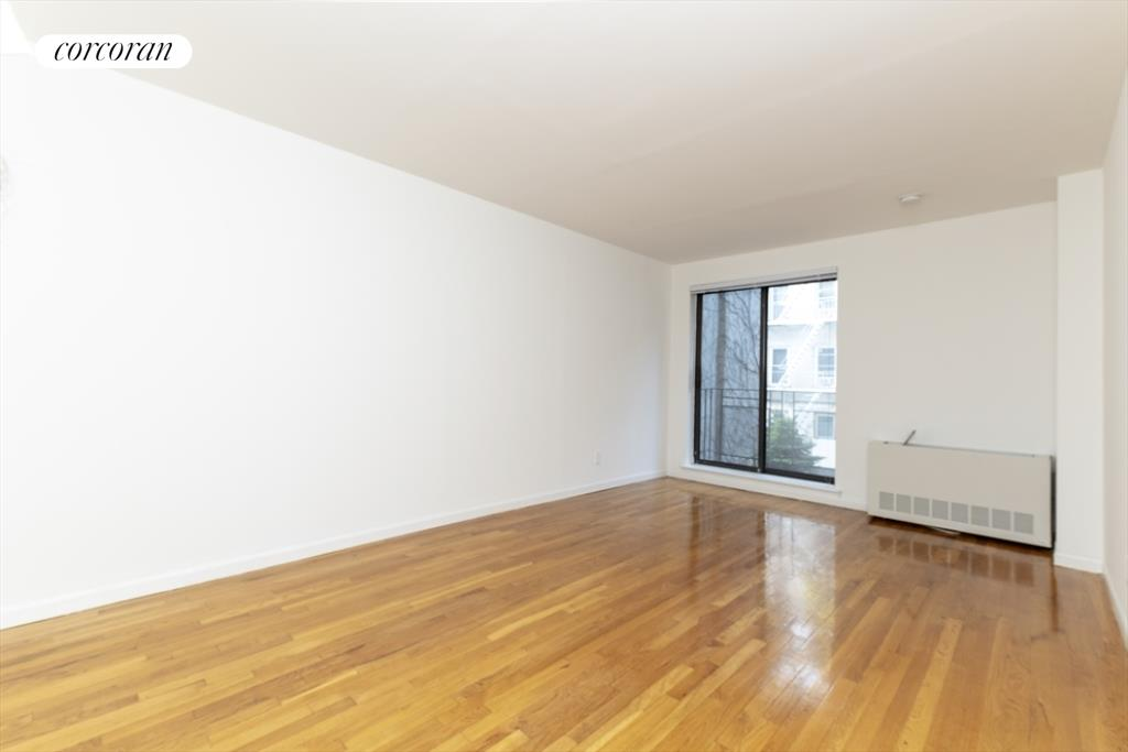 343 East 76th Street, 2A, Living Room