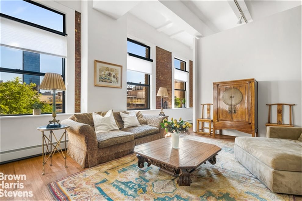 New York City Real Estate | View West 42nd Street | room 1