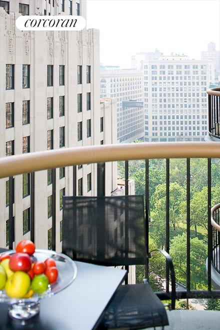 PRIVATE BALCONY WITH PARK VIEW!