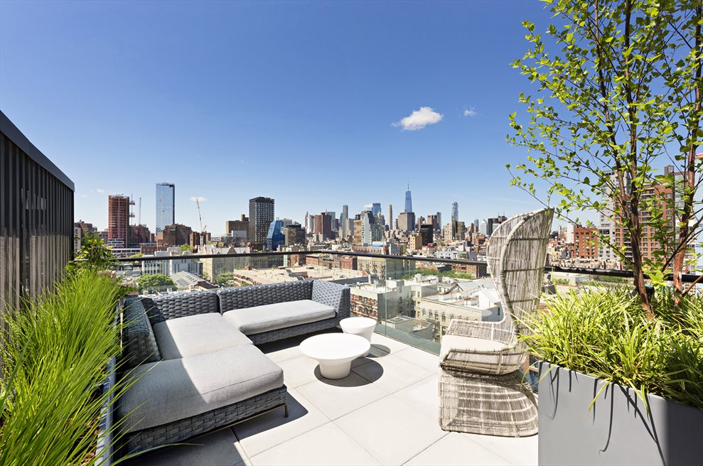287/LES | 287 EAST HOUSTON ST | Stunning North, South and West open city views