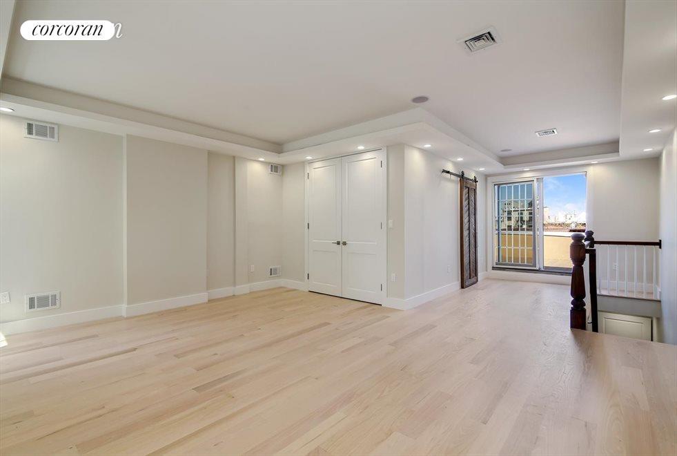 Master Bedroom with En Suite Bathroom and Terrace