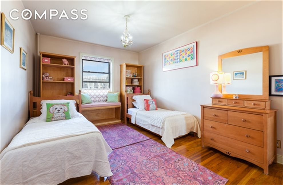 New York City Real Estate | View Eastern Parkway | room 14