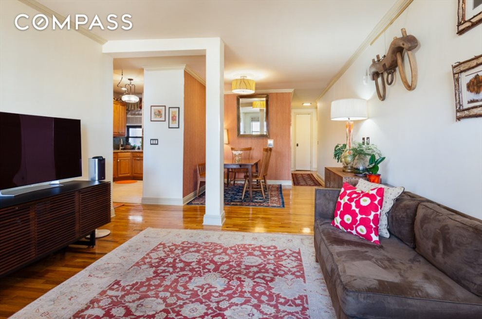 New York City Real Estate | View Eastern Parkway | room 18