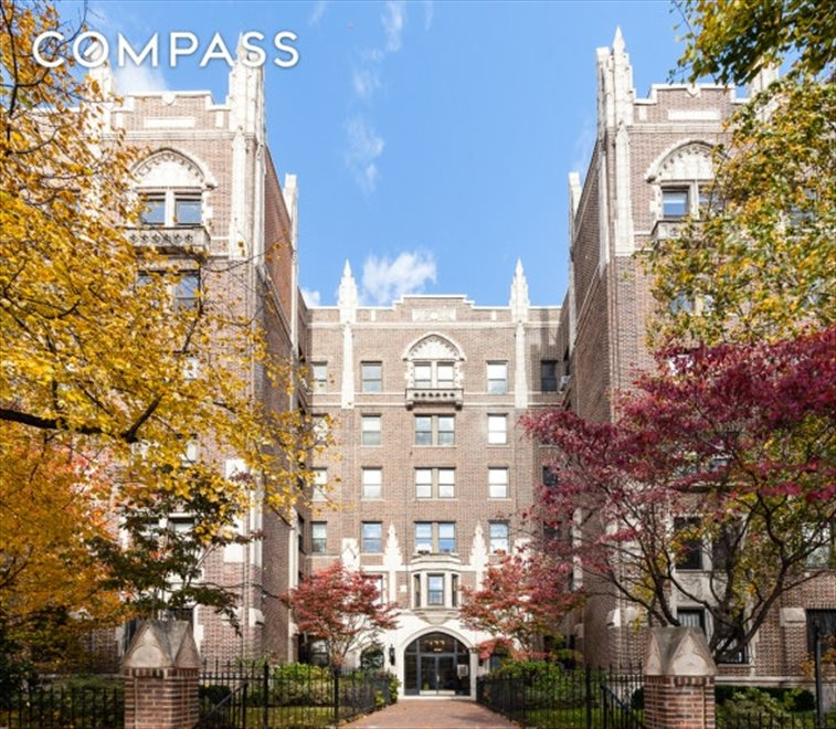 New York City Real Estate | View Eastern Parkway | room 23