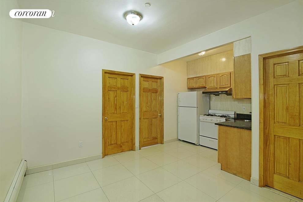 Kitchen /Common Area