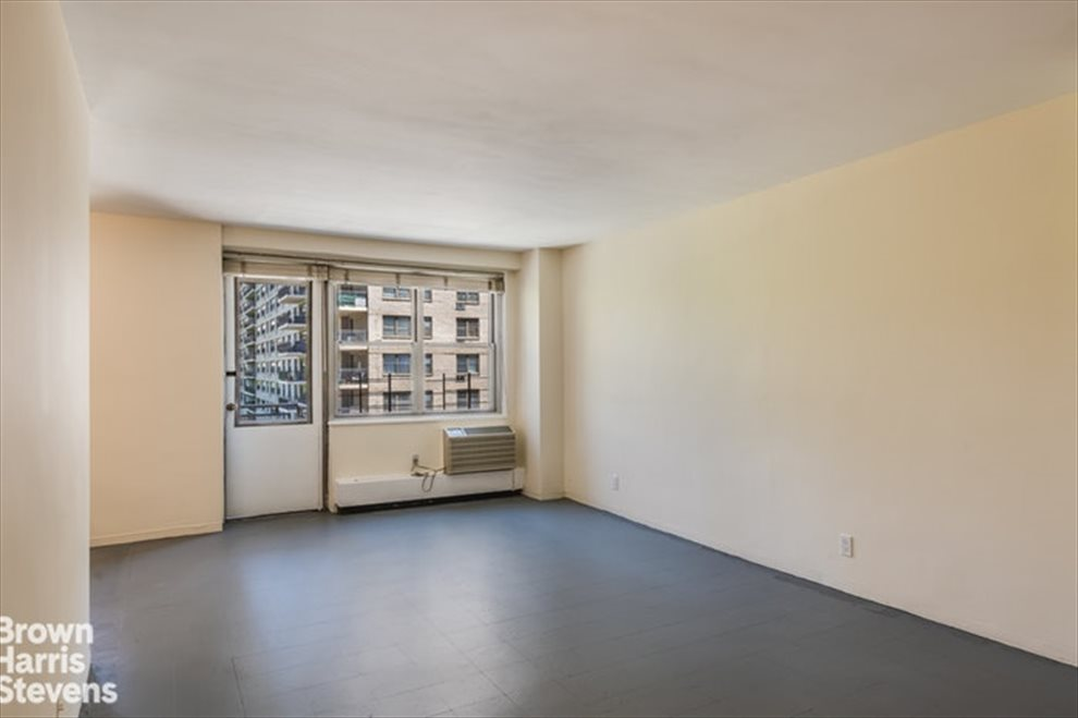 New York City Real Estate | View West 66th Street | room 4