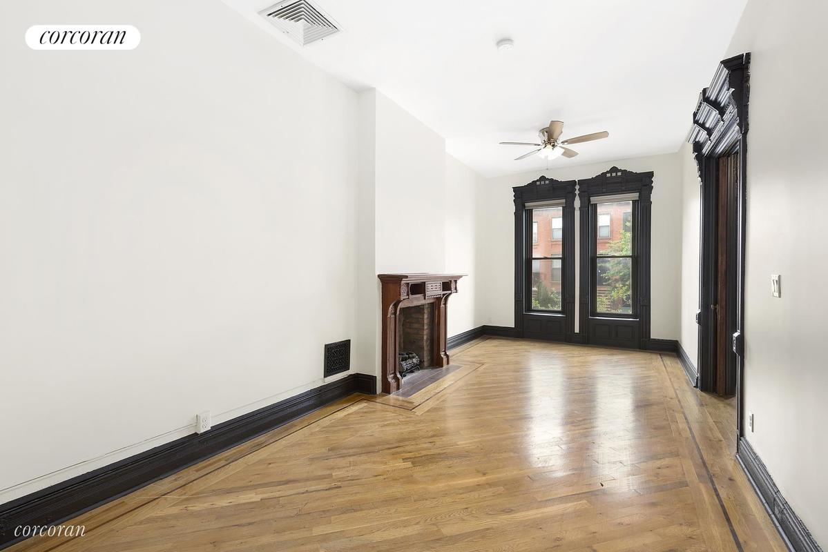 380 Herkimer Street, A, Massive, sunny, parlor-level living area!
