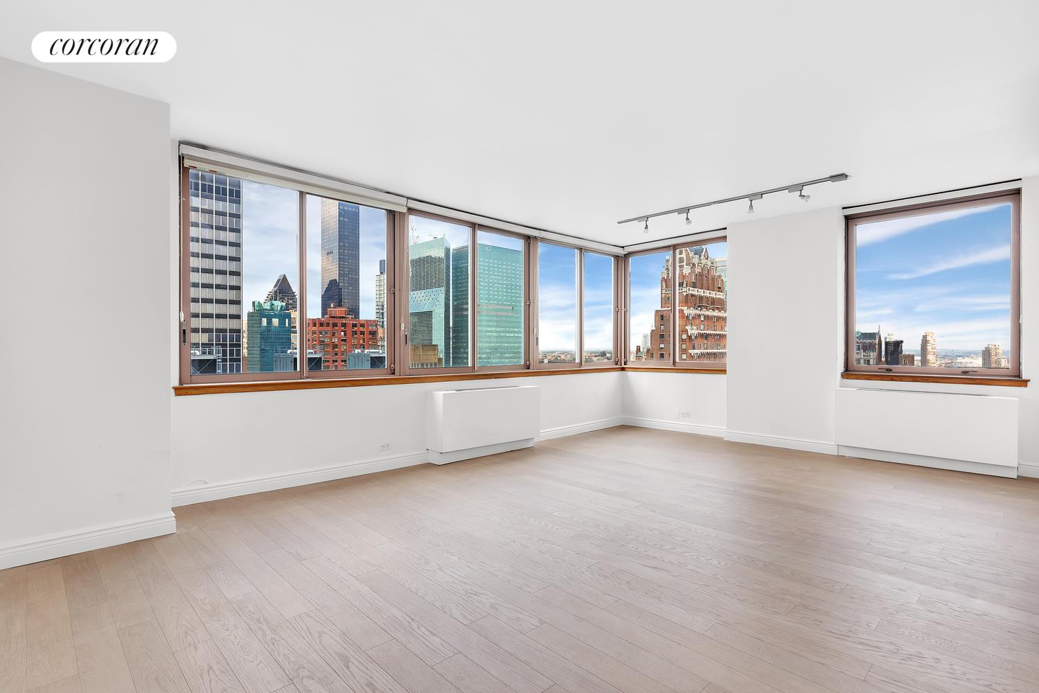 235 East 40th Street, 30G, Living Room