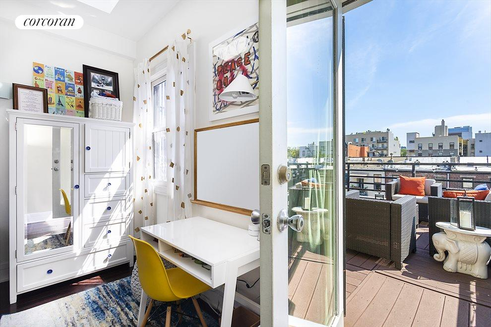 5th floor bedroom which opens onto the roof deck