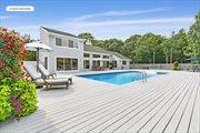 40 Hidden Cove Ct, Southampton