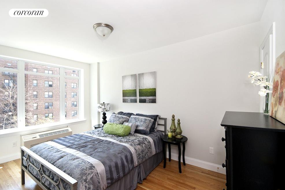 New York City Real Estate | View 3094 Crescent Street, #2E | room 3