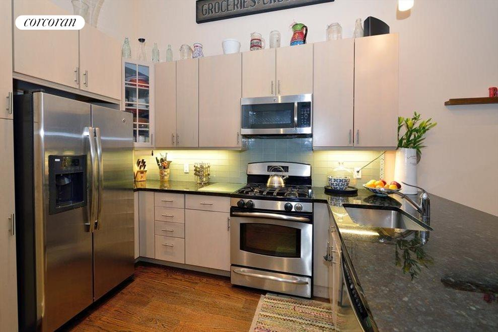 Large modern Kitchen with ample counter space
