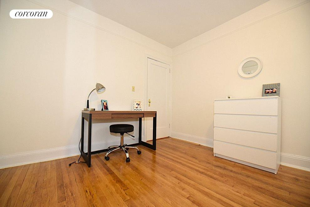 New York City Real Estate | View 31-70 34th Street, #3D | room 6