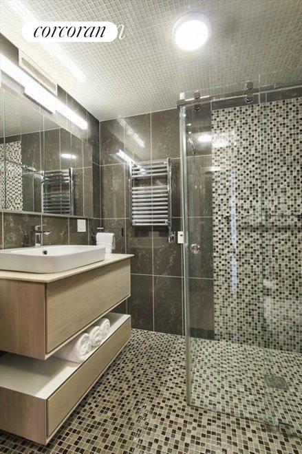 STUNNING SECOND BATHROOM