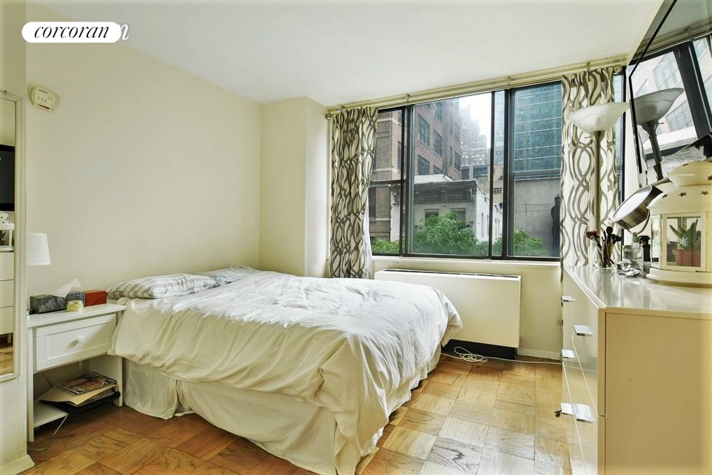 301 East 45th Street, Apt 4C, Manhattan, New York 10017