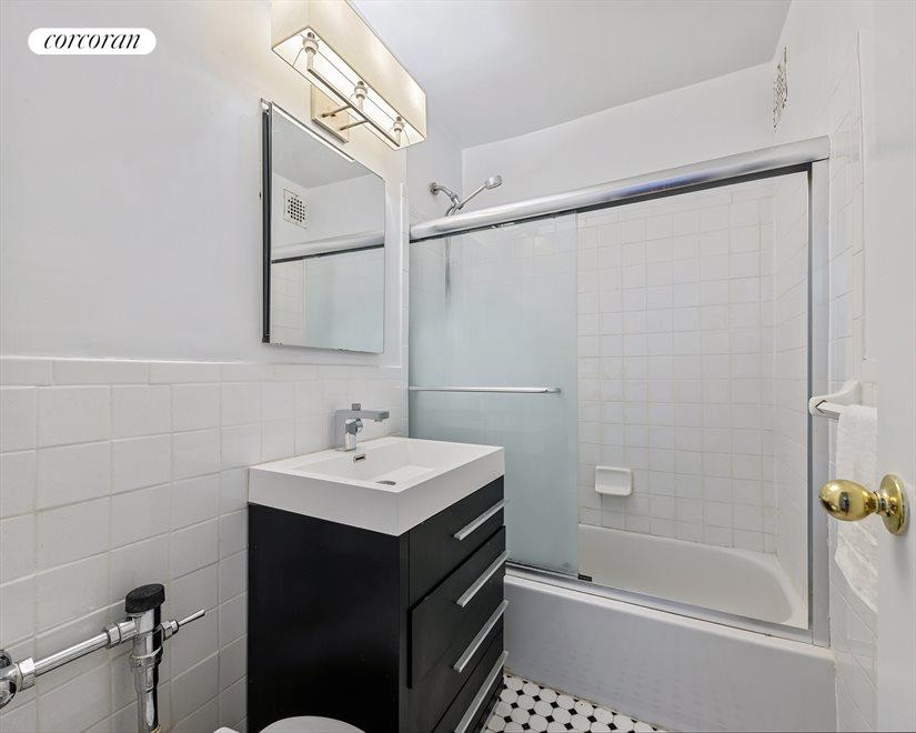 New York City Real Estate | View 415 Beverley Road, #1L | Bathroom