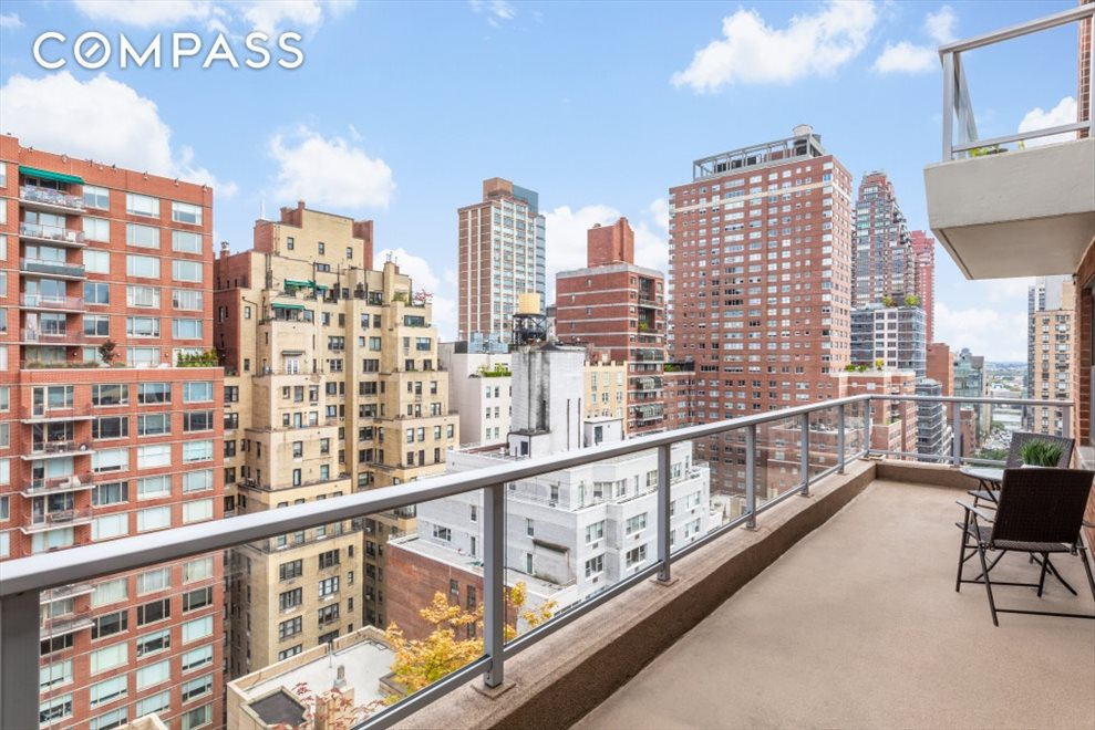 New York City Real Estate | View East 71st Street | room 6