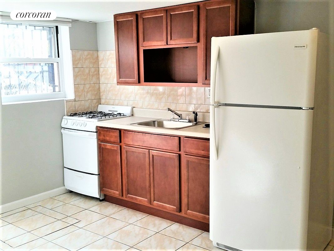 149 Maspeth Avenue, 1, Kitchen