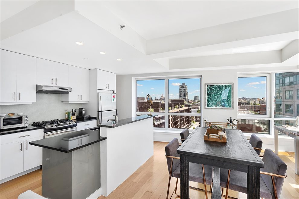 New York City Real Estate | View Kent Avenue | room 7