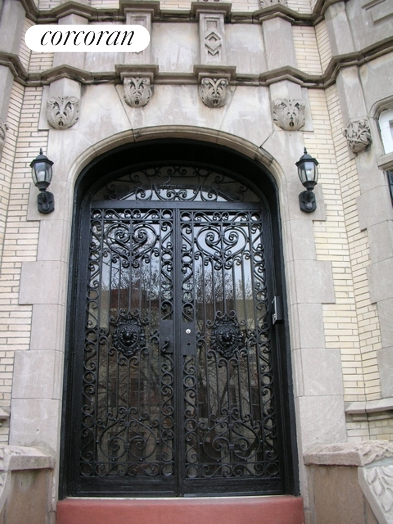 292 New York Avenue, 1, Tons of character & original Mahogany detail