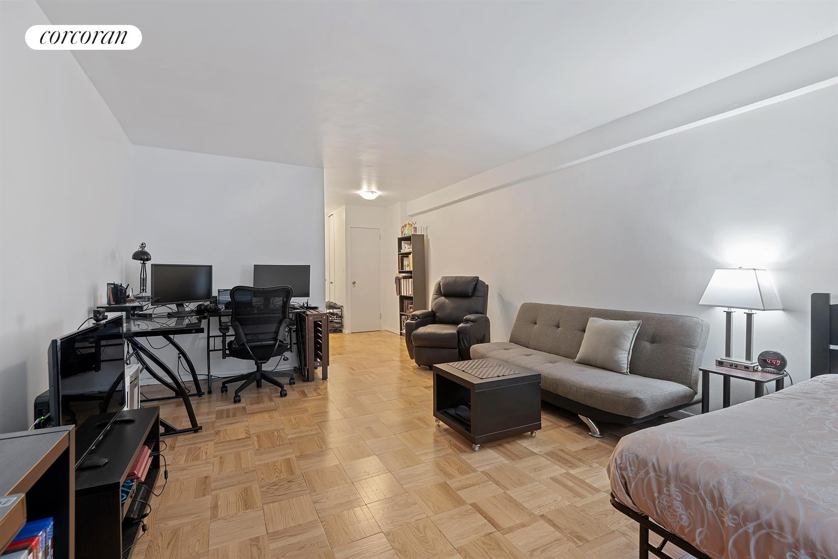 321 East 48th Street, 2K, Large Living Space